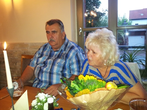 Oma Brigitte im Gespräch mit Oma Gitti und Opa Edi