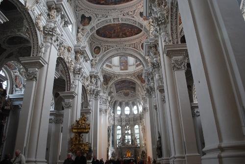 Prunkvolle Ausstattung der Domkirche St. Stephan
