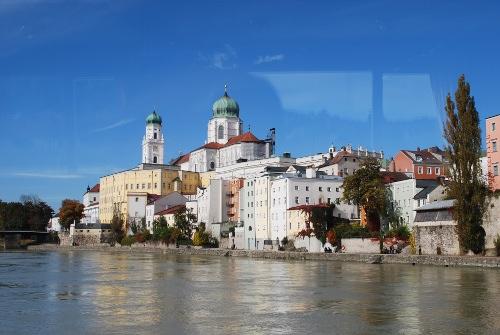 Die Altstadt vom Inn aus gesehen.