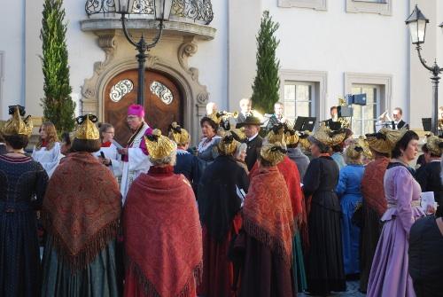 Auf dem Weg zur Prozession